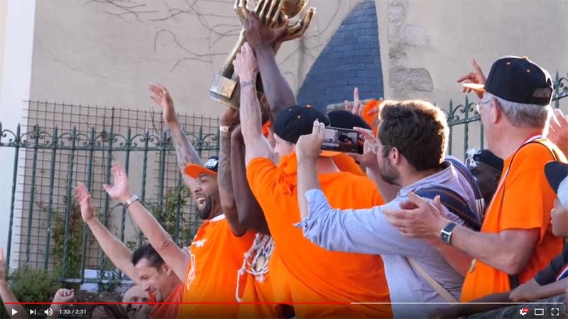 Présentation du trophée de Champion de France !